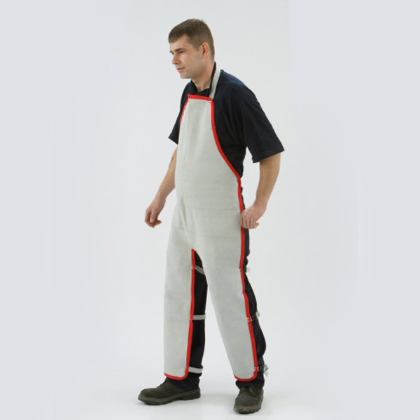 Apron chaps to ankle